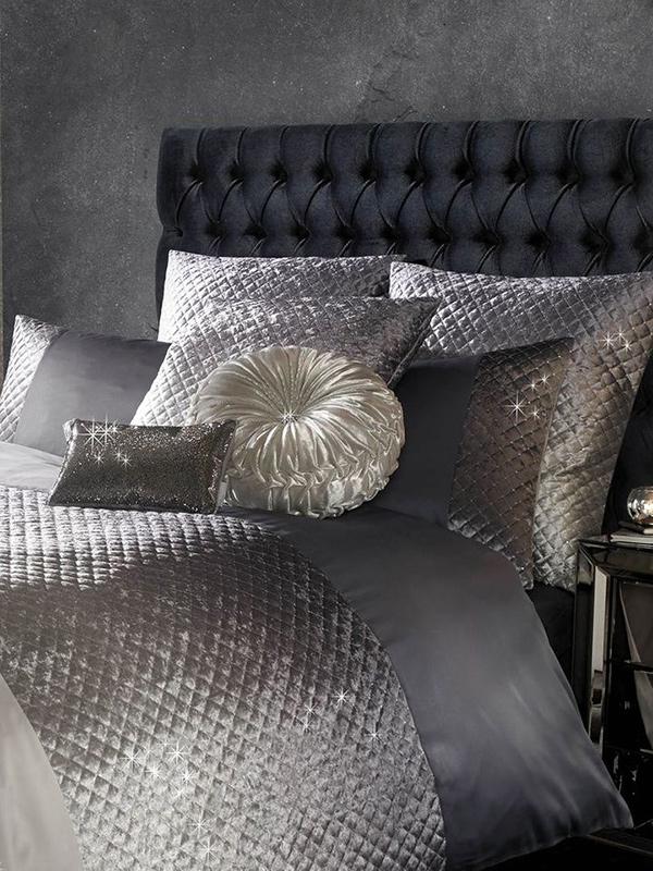 Kylie Minogue Gia Velvet Housewife Pillowcase