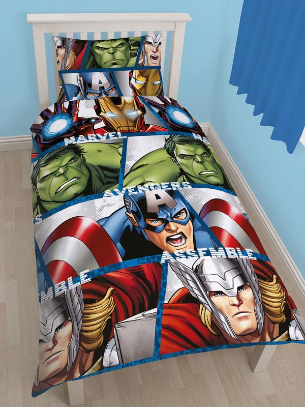 Marvel Avengers Shield Single Duvet Cover and Pillowcase Set