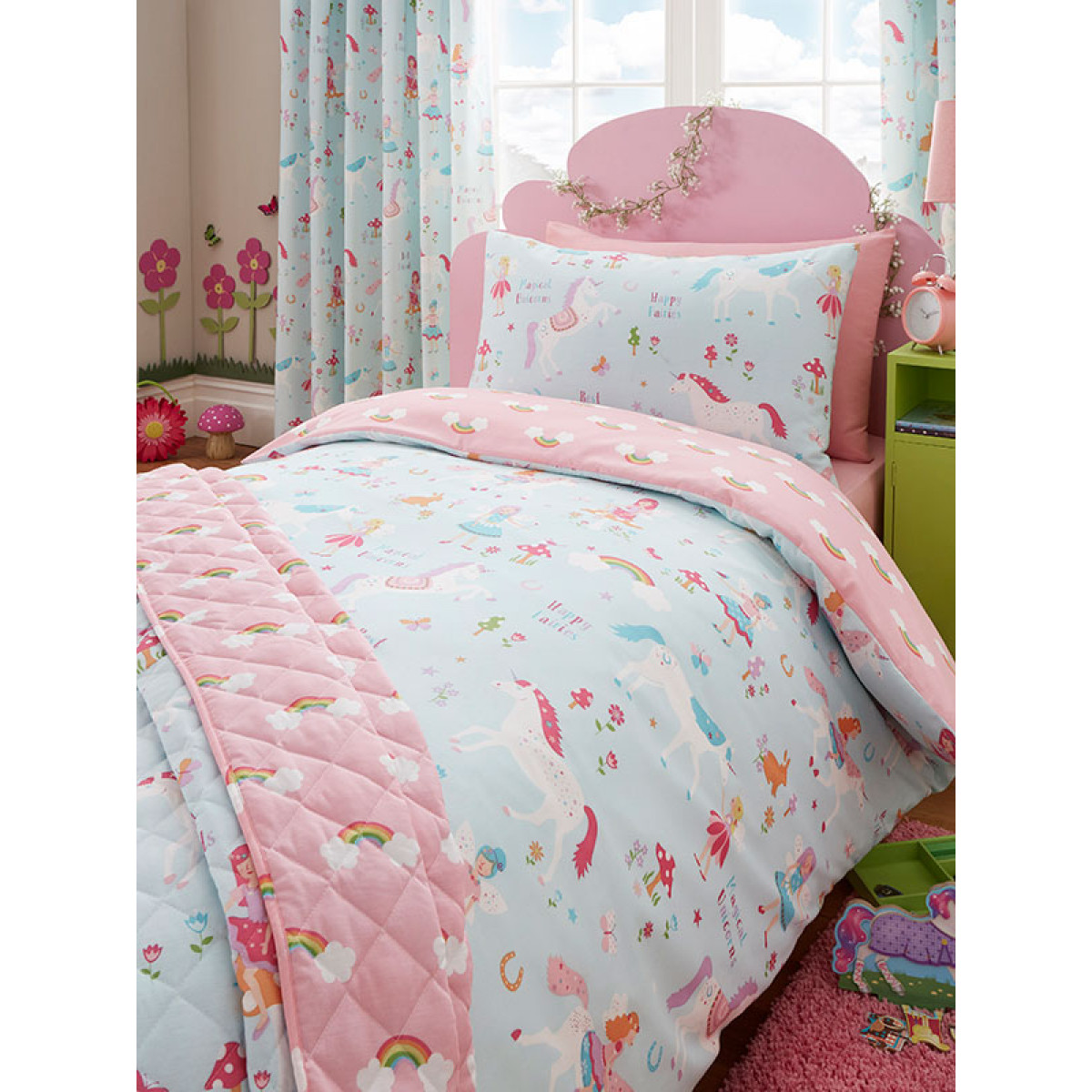 magical unicorn single duvet cover and pillowcase set. Black Bedroom Furniture Sets. Home Design Ideas