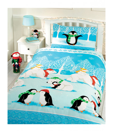 Christmas Cuddles 4 in 1 Junior Bedding Bundle (Duvet, Pillow and Covers)