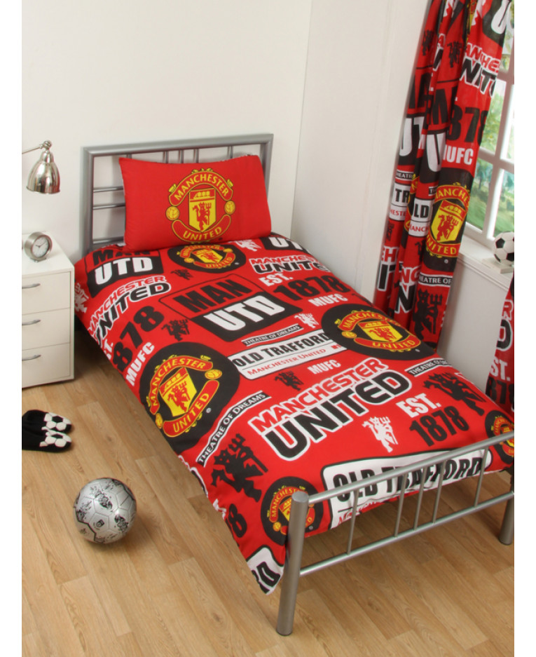 Manchester United FC Patch Double Duvet Cover and Pillowcase Set