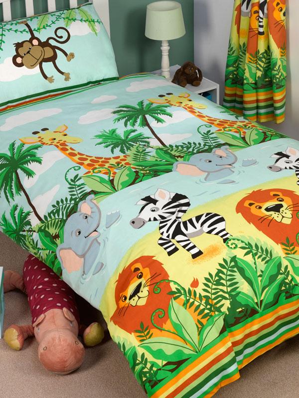 Jungle-Tastic 4 in 1 Junior Bedding Bundle (Duvet, Pillow and Covers)