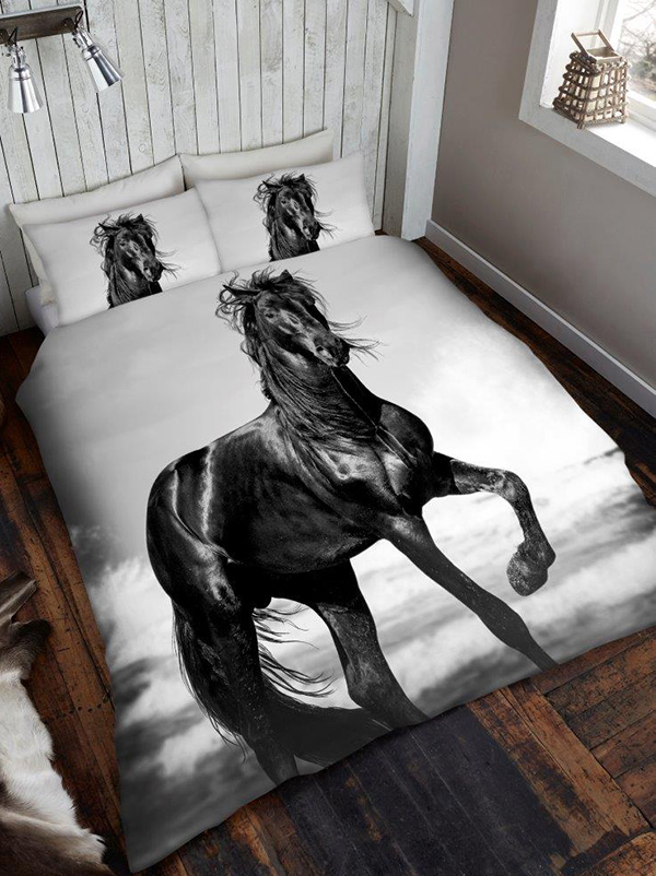 Black Horse King Size Duvet Cover and Pillowcase Set