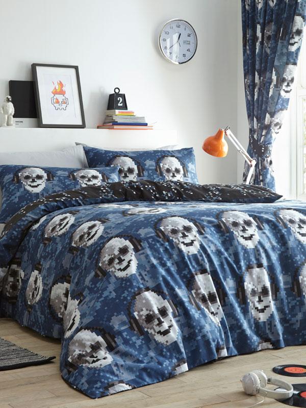 Pixel Skulls Single Duvet Cover and Pillowcase Set