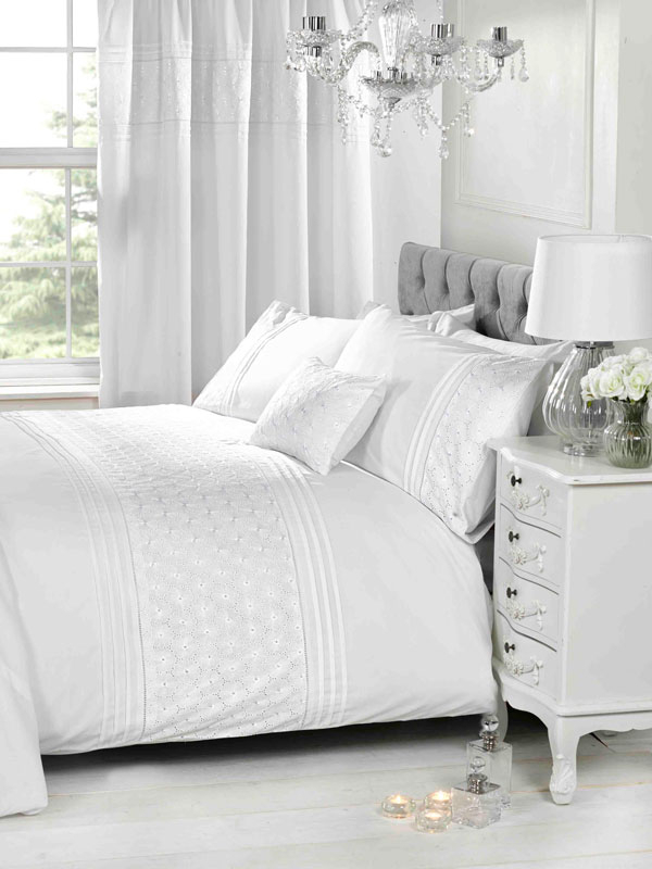 Everdean Floral White Super King Duvet Cover and Pillowcase Set