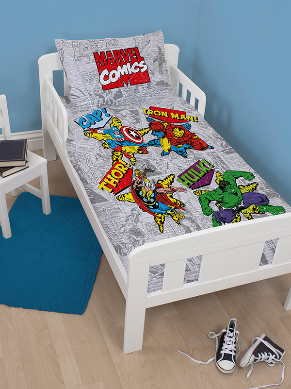 Marvel Comics Retro 4 in 1 Junior Bedding Bundle (Duvet, Pillow,