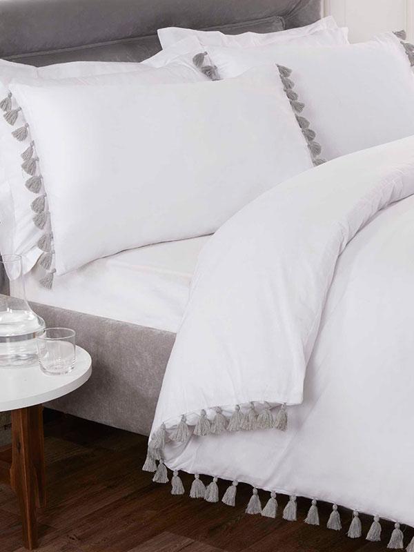 Tassel Duvet Cover and Pillowcase Bed Set - Single, White