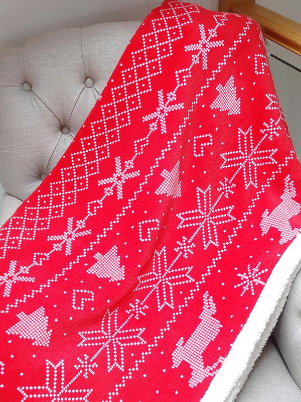 nordic print bergen christmas throw blanket  red