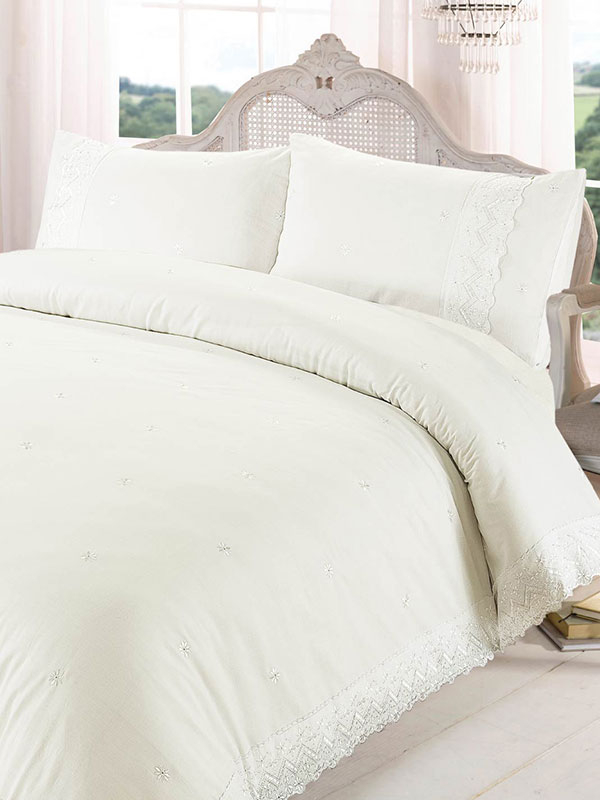 Victoria Cream Super King Duvet Cover and Pillowcase Set