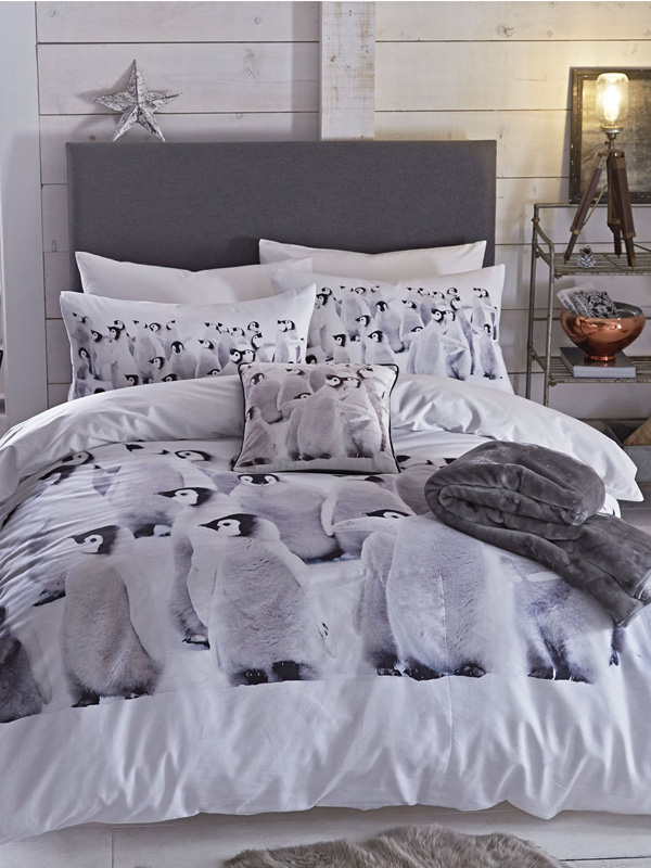 Catherine Lansfield Penguin Colony Single Duvet and Pillowcase Set